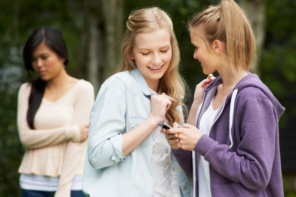 How High School and College Students Should Deal With Bullying Threats