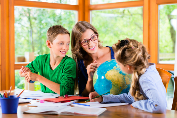 Homeschooling Advantages and DIsadvantages