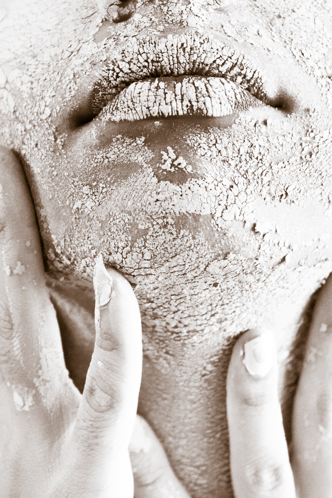 dirty-face-female-682501 (1)