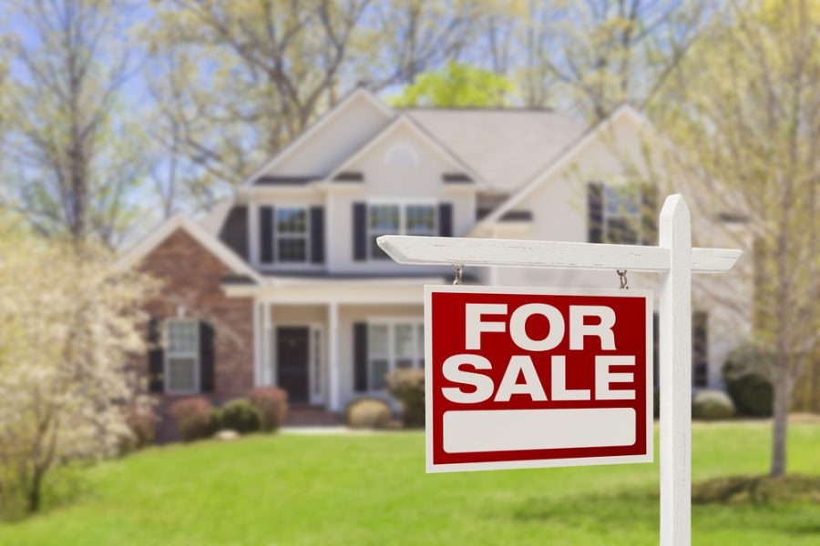 How House Sellers Should Navigate Bidding Wars